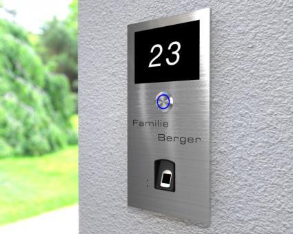 """Moderne Edelstahlklingel mit kapazitivem Fingerscan inkl. Namen-& Hausnummergravur """"Scan Forth"""""""